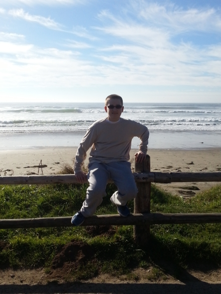 isaiah casey- drummer- tillamook- oregon- oceanside-beach-coast